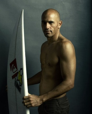 bald athletes - kelly slater - pro surfer champ