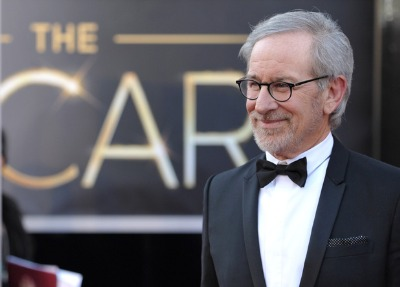 celebrity bow tie 2013 steven spielberg oscars-2013-red-carpet-skinny peak lapel one-button tux by Dior Homme