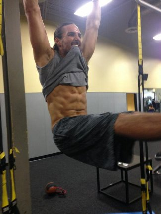 jake owen abs workout - no shirt