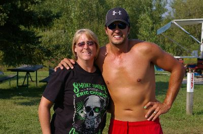 luke bryan shirtless at darien lake with cathy bement