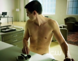 pedro pascal hot - shirtless photo