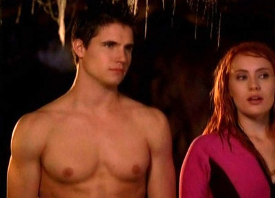 robbie-amell-shirtless-scooby-doo