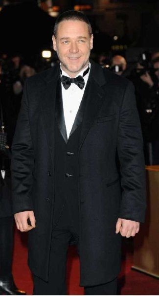 russell crowe suit 2013 - classic Giorgio Armani tuxedo with a black wool overcoat - london les miserables premiere