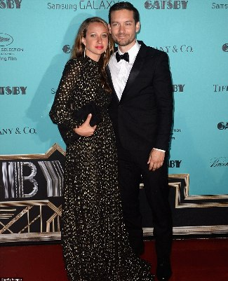 tobey maguire - ysl suit - wife Jennifer Meyer