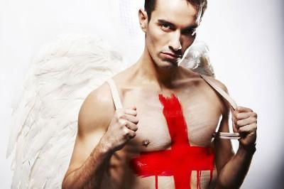 Nathan Robertson shirtless badminton player - uk