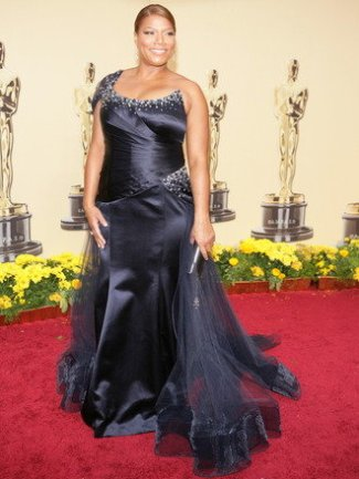 Queen Latifah wears a crystal-embellished navy one-shoulder gown by Georges Chakra 2009 oscars