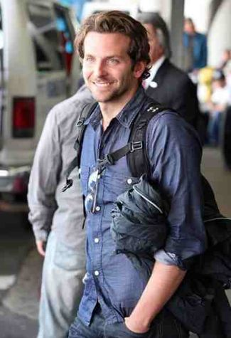 bradley-cooper-with-under-armour-backpack