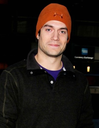 henry-cavill-wearing-under-armour-tactical-arctic-beanie