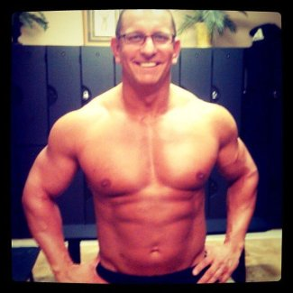 hunky chefs shirtless - Robert Irvine