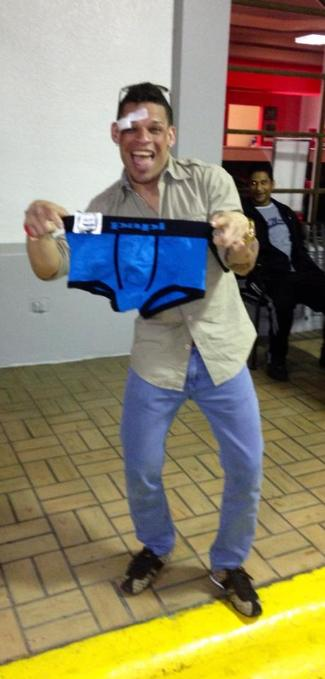 orlando cruz papi underwear given by fan