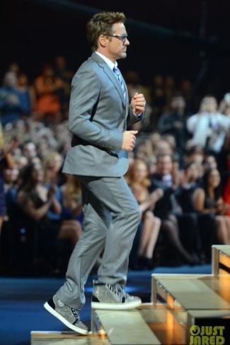robert-downey-jr-wearing-christian-louboutin-shoes
