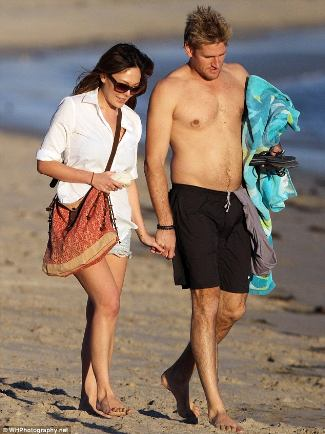 shirtless curtis stone with lindsay price actress