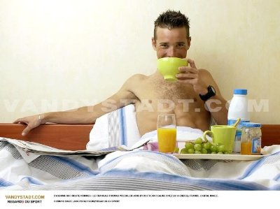 shirtless sexy cyclists - thomas voeckler