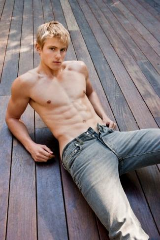 young men with washboard abs - alexander ludwig - 21 years old
