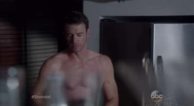 daddy hunks - scott foley is shirtless in scandal