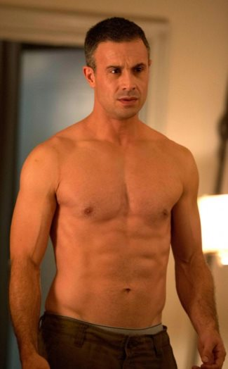 freddie prinze jr - underwear peekabo - witches of east end