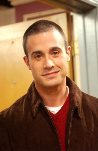 freddie prinze jr - younger - photo