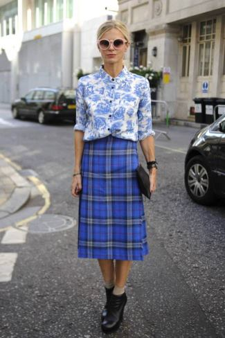 kilt for women - Laura Bailey arriving at the Kinder Aggugini catwalk show