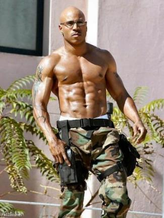 daddy hunks ll cool j shirtless washboard abs