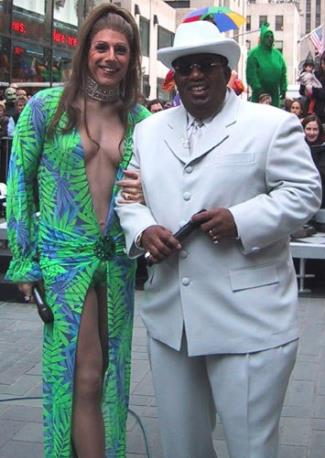 matt lauer wearing womens dress - as jlo with al rooker as sean combs - halloween 2k
