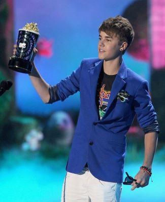 Zara Men Plush Blazer seen on Justin Bieber
