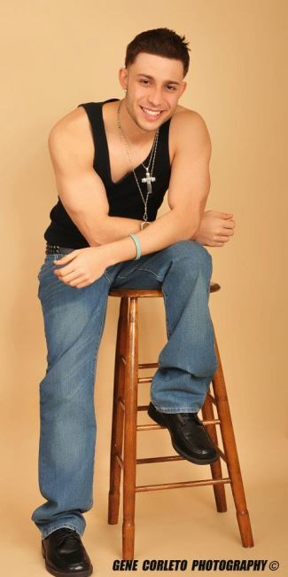 jay gotti bulging biceps muscle hunk