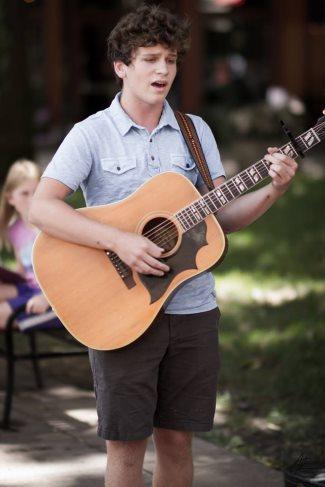 Briston Lee Maroney - american idol - singing with guitar