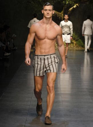 Dolce-Gabbana-mens-shorts-spring-summer-2014-fashion-show