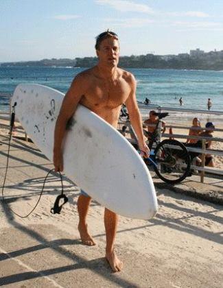 bondi vet chris brown - naked - surfing2