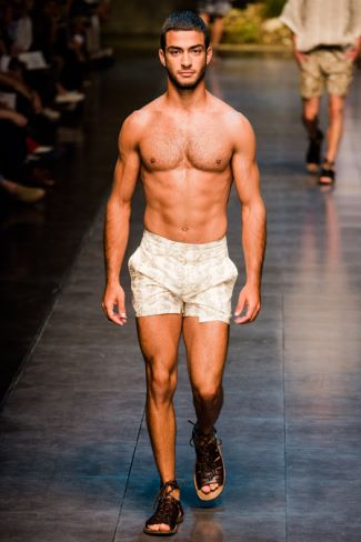 dolce gabbana male model in sexy shorts 2014