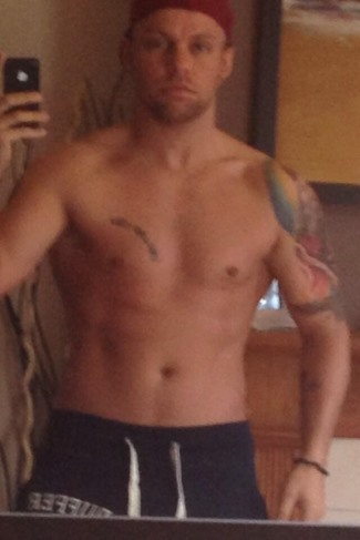 lee glasson no shirt - gym progress