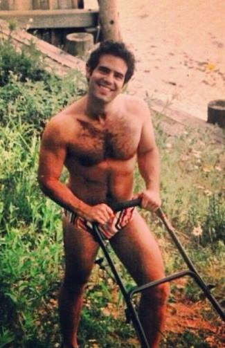 andy cohen boyfriend in speedo