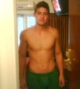 james rodriguez shirtless - sin camisa2