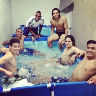 james rodriguez teammates in pool jacuzzi