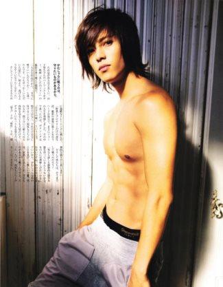 shirtless japanese hunks - singer Tomohisa Yamashita