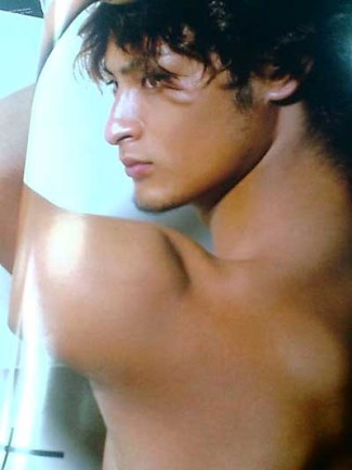 yu darvish - sexy shirtless japanese baseball hunk