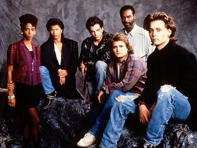 21 jump st original cast Holly Robinson-Dustin Nguyen-Richard Grieco-Michael De Luise-Steven Williams and Johnny Depp