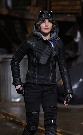 Camren Bicondova - selina kyle leather jacket - gotham
