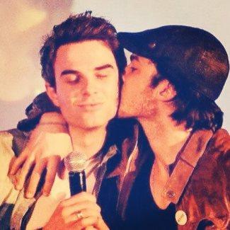 Nathaniel Buzolic gay - Ian Somerhalder Kisses Nathaniel Buzolic