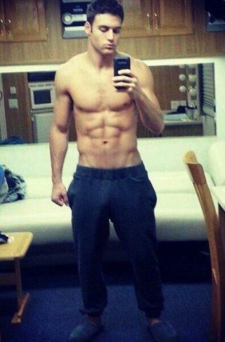 Ryan-Guzman-shirtless