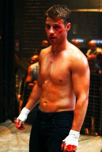 ben mckenzie cage fighter - the oc