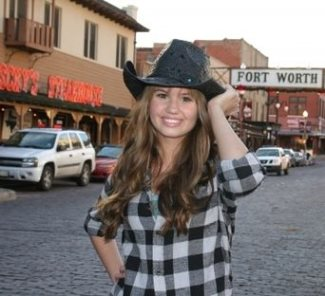 best-girls-cowboy-hats-debby-ryan-and-toyo-black-flower-cowboy-hat