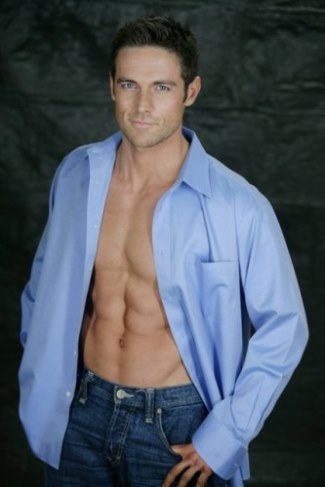 dylan bruce sixpack abs