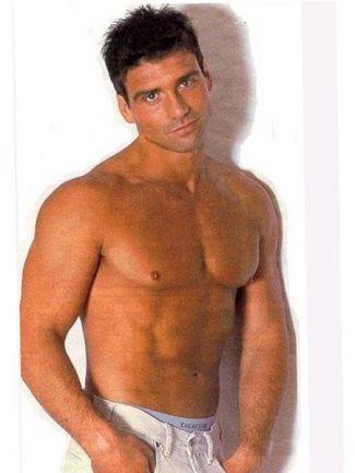 frank-grillo-shirtless-peekabo-underwear