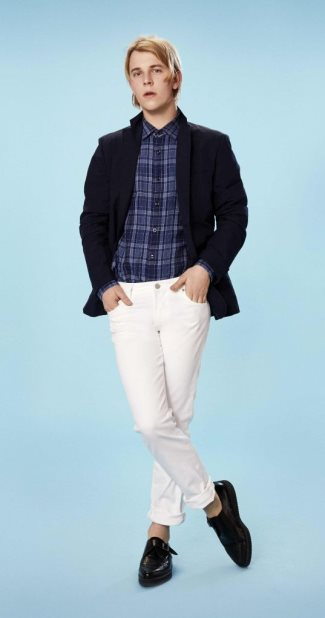 uniqlo celebrity endorsers- tom odell - ss2014 ad