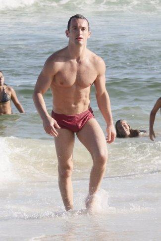 Diego Hypolito shirtless brazilian gymnast