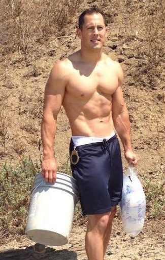 shirtless police hunks - Chris Kohrs - hot cop of castro
