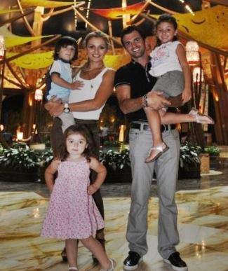 Tony-Dovolani-wife-family