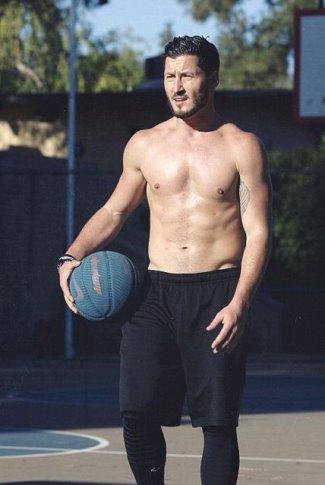 Valentin Chmerkovskiy shirtless body