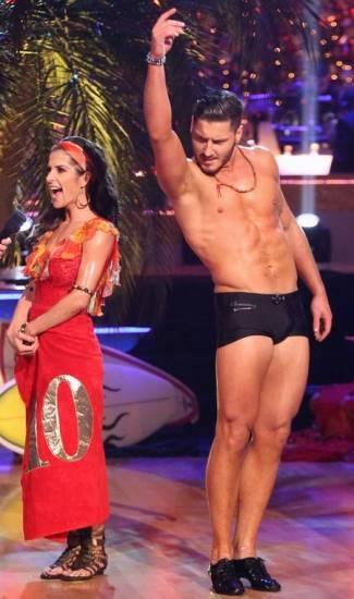 male dancers underwear valentin chmerkovskiy speedo2